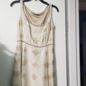 Beautiful elegant Elie tahari dress